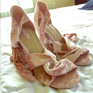 Velvet Lace Pink Heels BRAND NEW